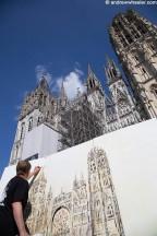 Titre: Performance sur le parvis de la cathédrale de Rouen. Auteur: